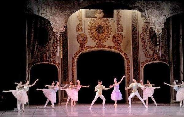 Cuba s'invite à Paris lors d'un ballet grandiose