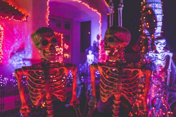 Celebrate Halloween at the Manoir de Paris