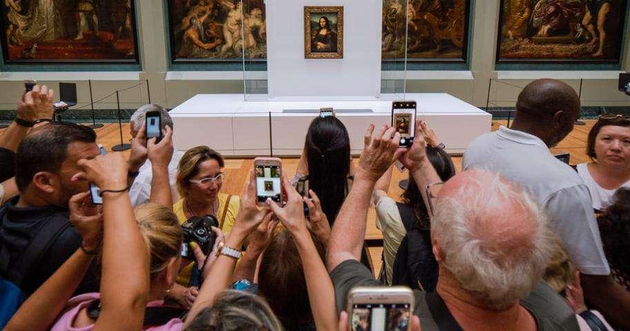 The Leonardo da Vinci exhibition at the Louvre; the event of the autumn