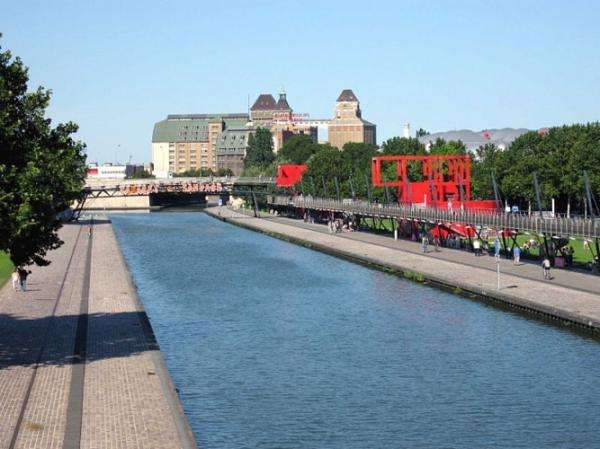 Open air cinema in La Villette - the magic of an outdoor canvas