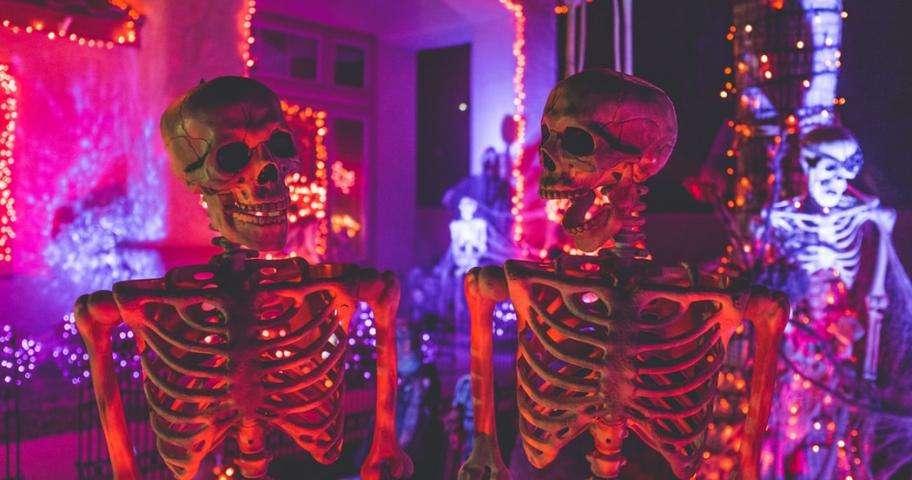 Celebrate Halloween at the Manoir de Paris