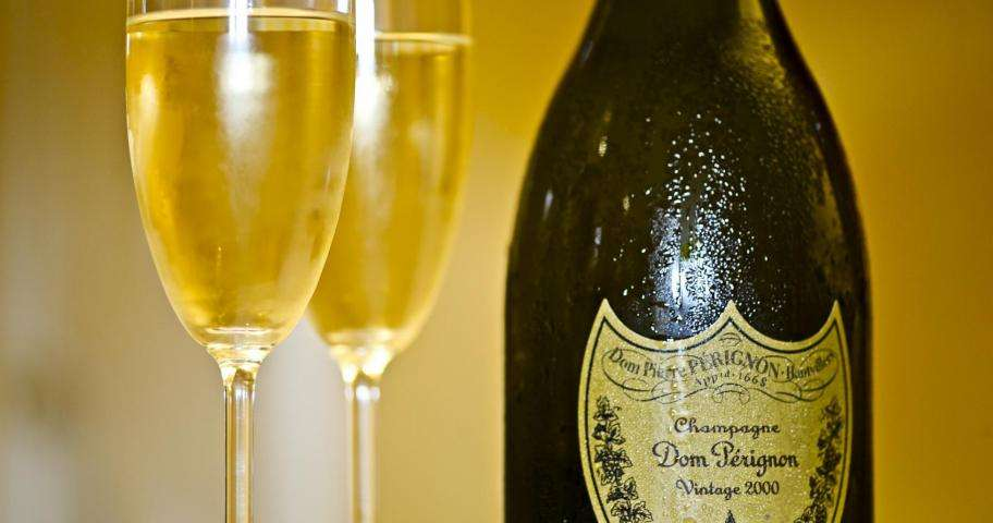 Wine or Champagne bars; The choice is yours in Paris